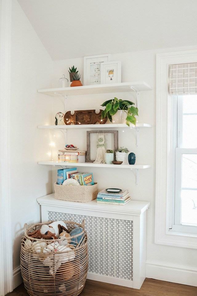 trang trí phòng ngủ bé gái bằng giấy dán tường