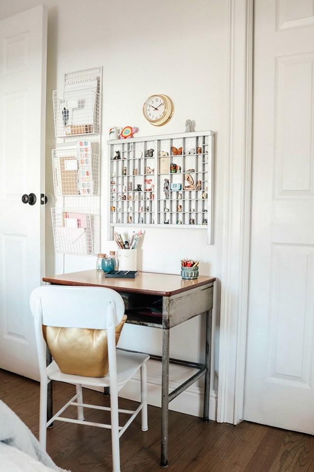 trang trí phòng ngủ bé gái đẹp bằng giấy dán tường
