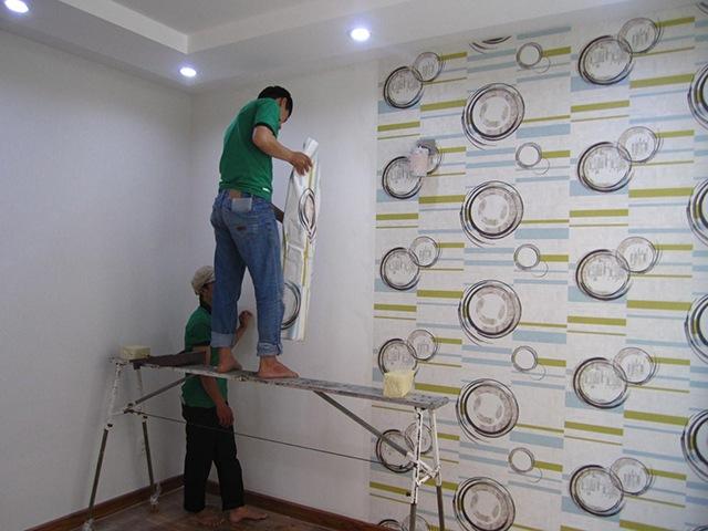 cách dán giấy dán tường decal