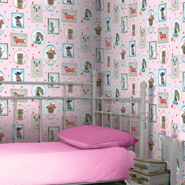 giấy dán tường màu hồng cho bé gái