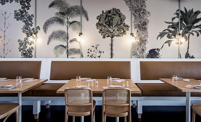 giấy dán tường nhà hàng