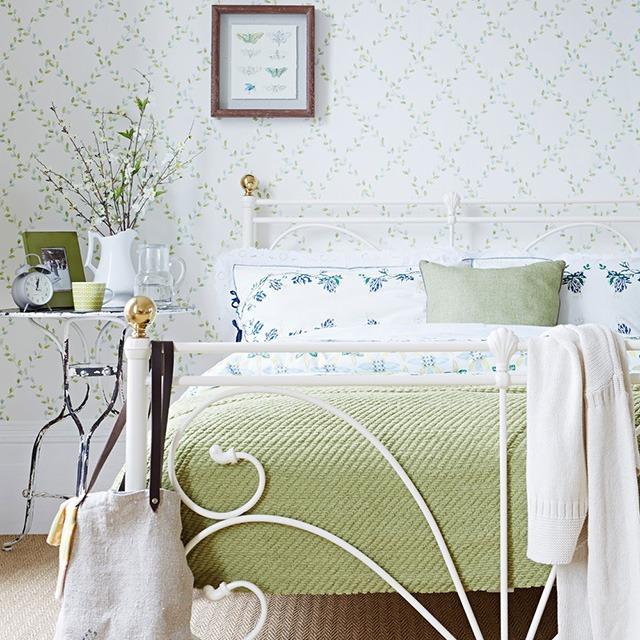 giấy dán tường phòng ngủ nhỏ 1