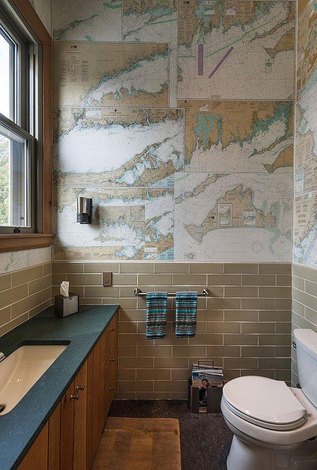trang trí tường nhà bằng bản đồ cũ